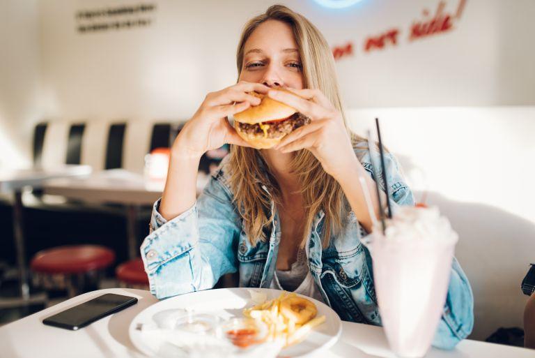 «Χαλάσατε» τη δίαιτα; Ακολουθήστε αυτά τα tips | vita.gr