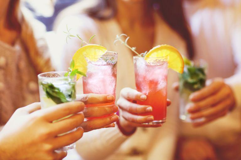 Πώς θα θέσετε υγιή όρια στην κατανάλωση αλκοόλ | vita.gr