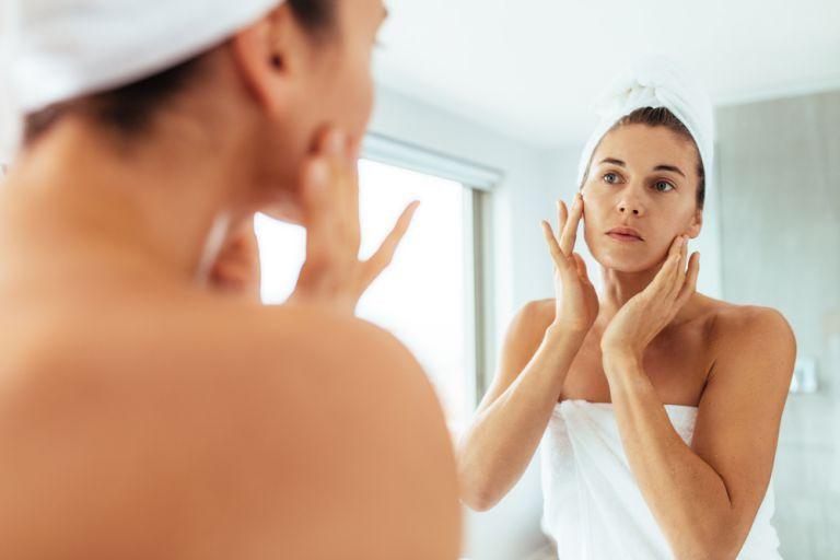 Face yoga: 8 ασκήσεις με αντιγηραντική δράση   vita.gr