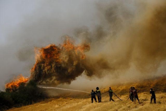 Πυρκαγιές στην Αττική – Εκκενώθηκαν η Σταμάτα και η Ροδόπολη   vita.gr