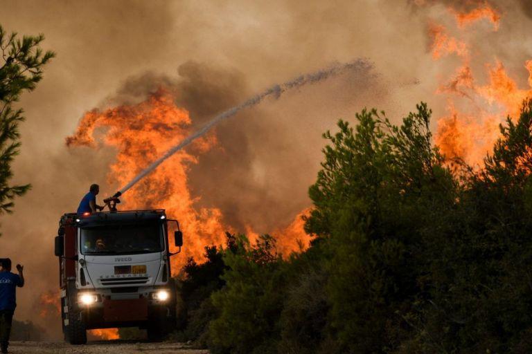 Πυρκαγιά στη Βαρυμπόμπη – Σε εξέλιξη επιχείρηση εκκένωσης   vita.gr