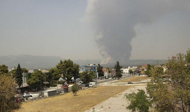«Συναγερμός» για την αναζωπύρωση της πυρκαγιάς στη Βαρυμπόμπη | vita.gr