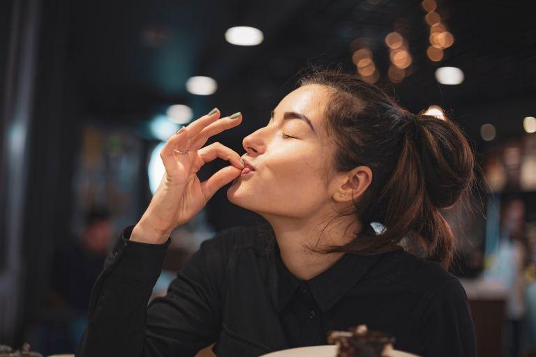 Γιατί τρώτε ενώ δεν πεινάτε; | vita.gr