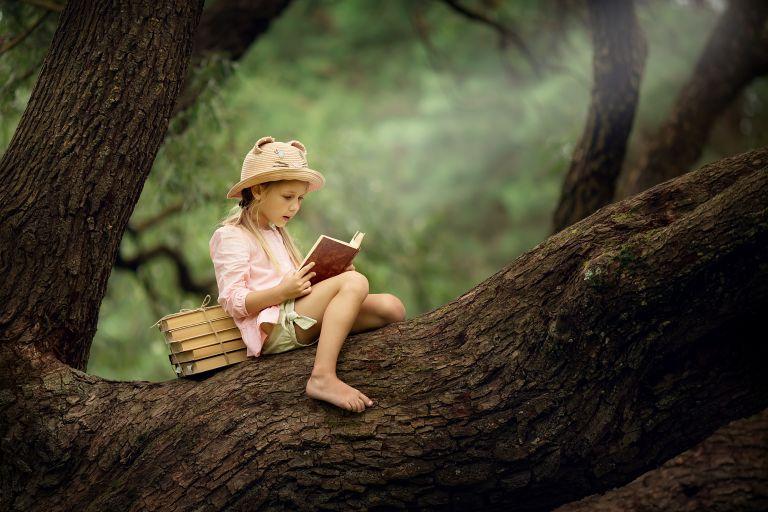 Εξυπνοι τρόποι για να διαβάζει περισσότερο το παιδί | vita.gr