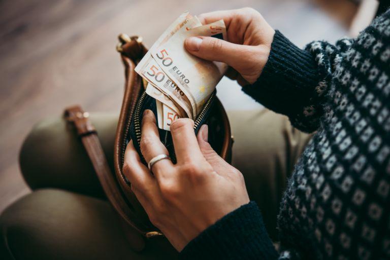 Κοροναϊός – Είναι δυνατόν να μολυνθούμε από χρήματα;   vita.gr