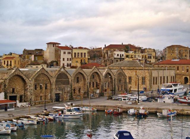 Κορωνοϊός: «Mini» lockdown σε Ζάκυνθο και Χανιά | vita.gr