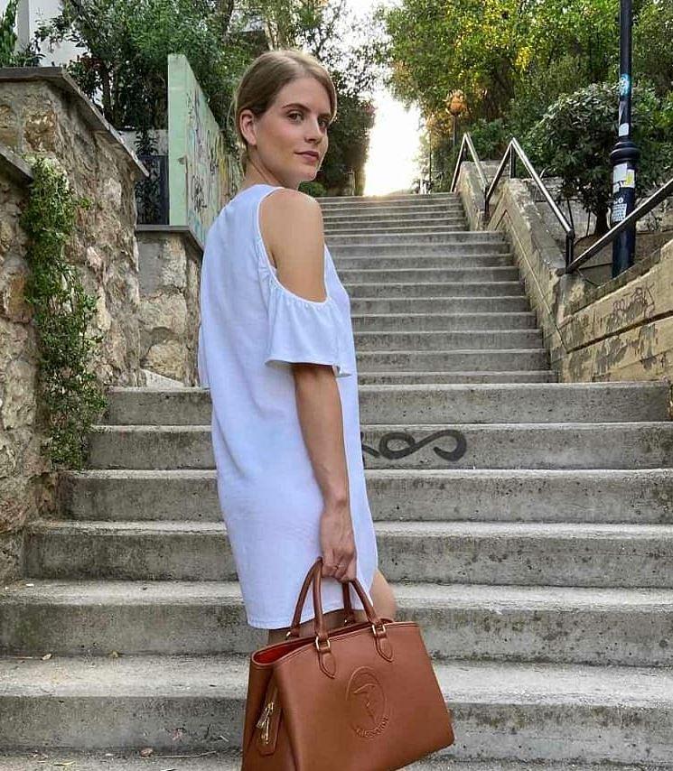 Δανάη Μιχαλάκη – «Πρέπει καμιά φορά να μπαίνουν όρια..»   vita.gr