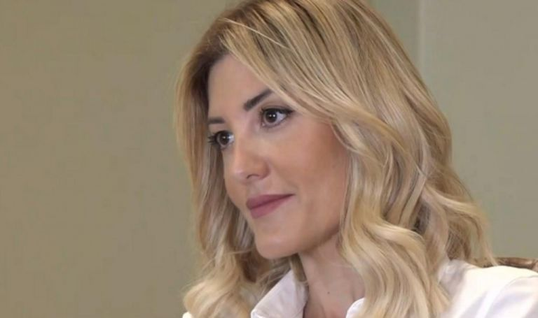 Ράνια Τζίμα – Η anchor woman του MEGA μιλά για τη ζωή μεταξύ δελτίου και οικογένειας | vita.gr