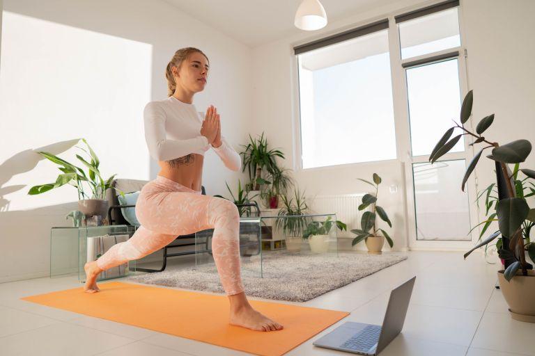 Home workout – Ξαναβρίσκουμε τη φόρμα μας με αυτές τις 7 ασκήσεις | vita.gr