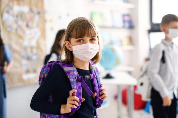 Ανοιγμα σχολείων με διαφορετικά μέτρα για εμβολιασμένους και ανεμβολίαστους   vita.gr