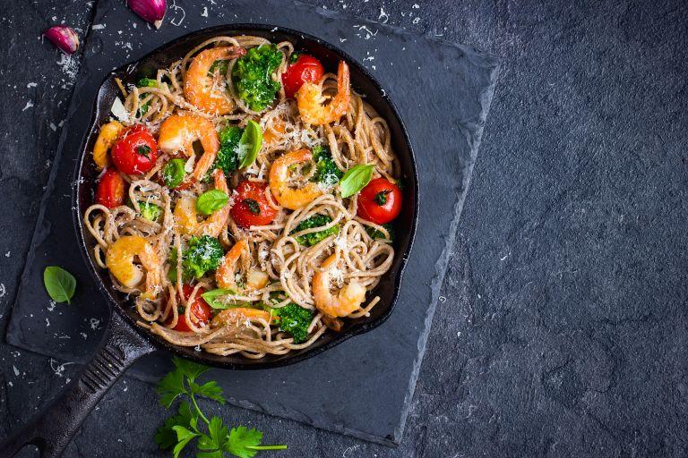 Σπαγγέτι ολικής με γαρίδες   vita.gr