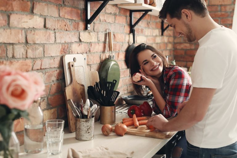 Είστε σε μακροχρόνια σχέση; Ετσι θα διατηρήσετε το πάθος σας | vita.gr
