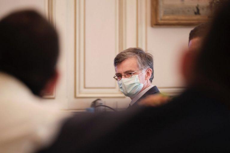 Τσιόδρας – Μόνο η αύξηση των εμβολιασμών θα δώσει τέλος στα τοπικά μέτρα και στην πίεση του ΕΣΥ   vita.gr