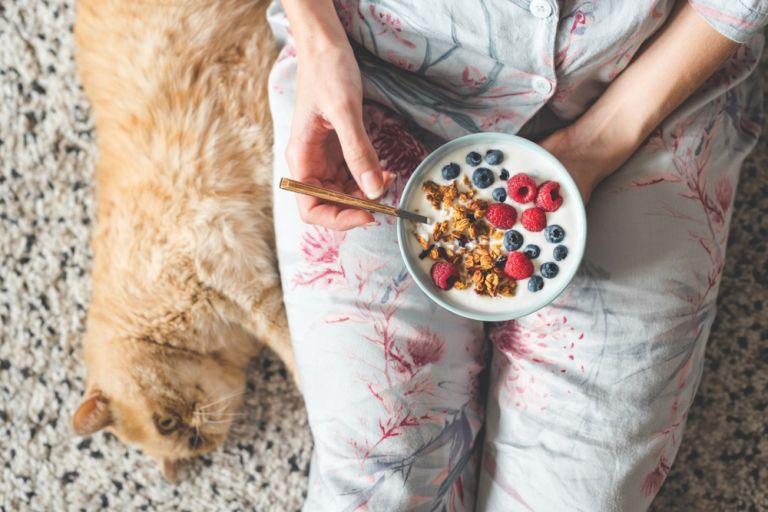 Φαγητό αργά τη νύχτα – 4 συμβουλές για να μη σας παχαίνει | vita.gr