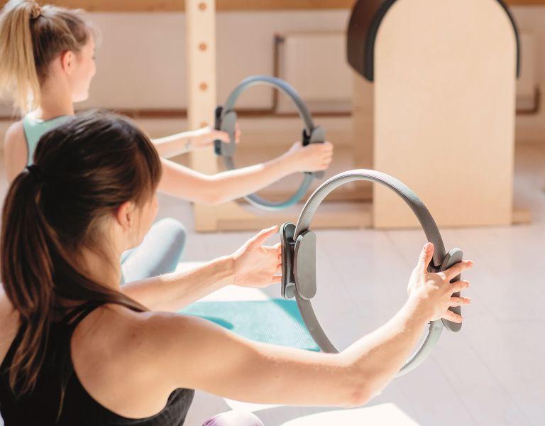 Pilates ring – Πρόγραμμα ασκήσεων για γυμνασμένα χέρια   vita.gr