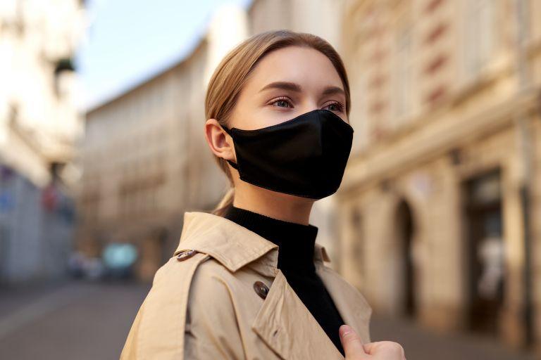 Μάσκα – Τι θα συμβεί αν δεν την καθαρίζετε   vita.gr