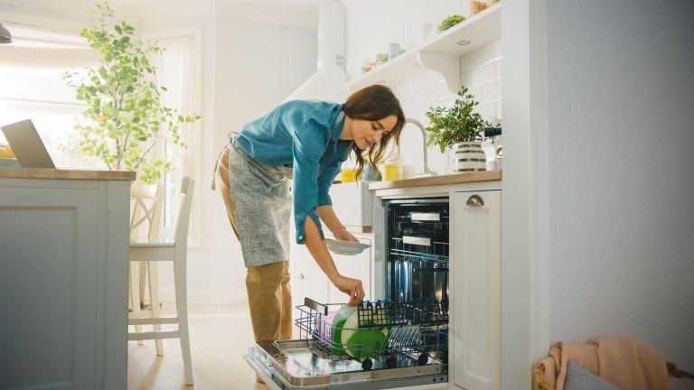Τι δεν πρέπει να βάζετε στο πλυντήριο πιάτων   vita.gr